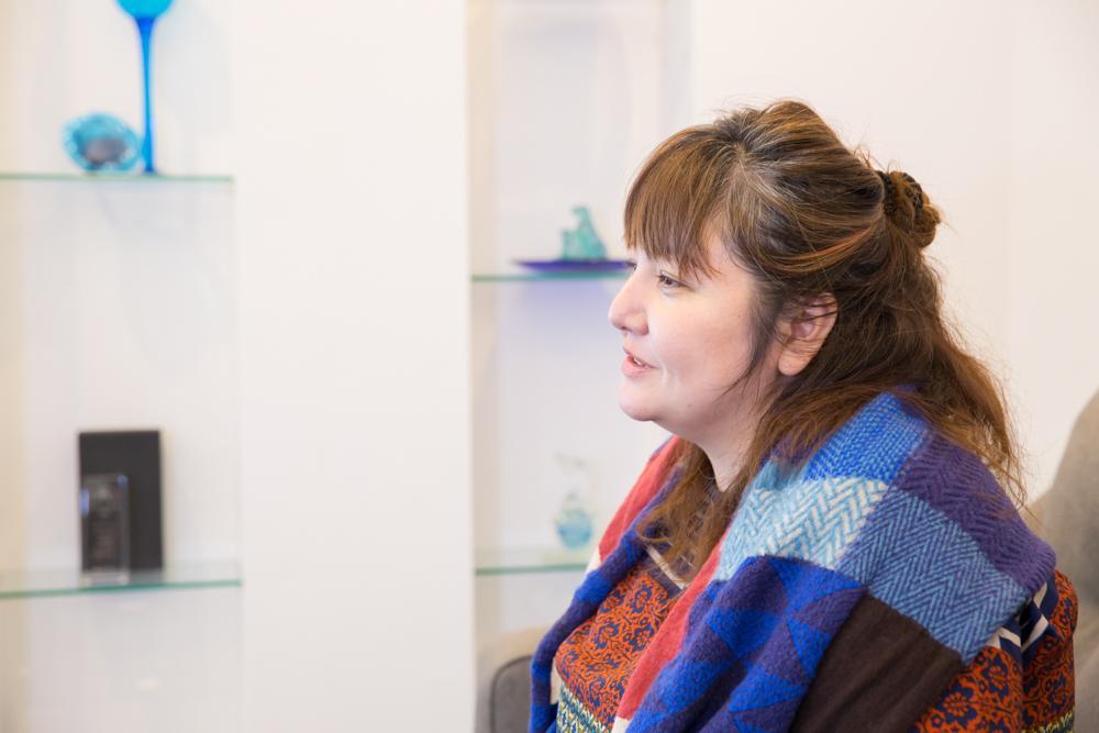 熟練した職人の手技によって生み出される琉球ガラス